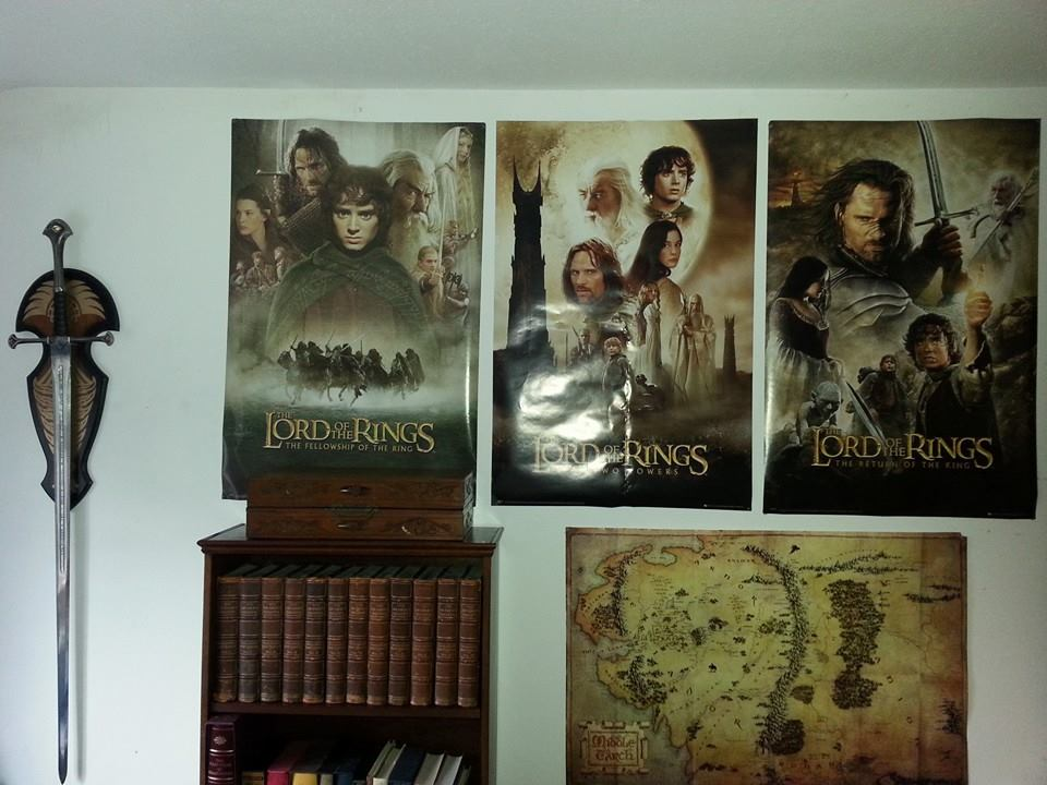 Lord of the rings inspired bedroom bing images for Hobbit themed bedroom